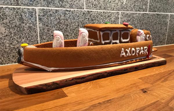 Båt gjord av pepparkaka